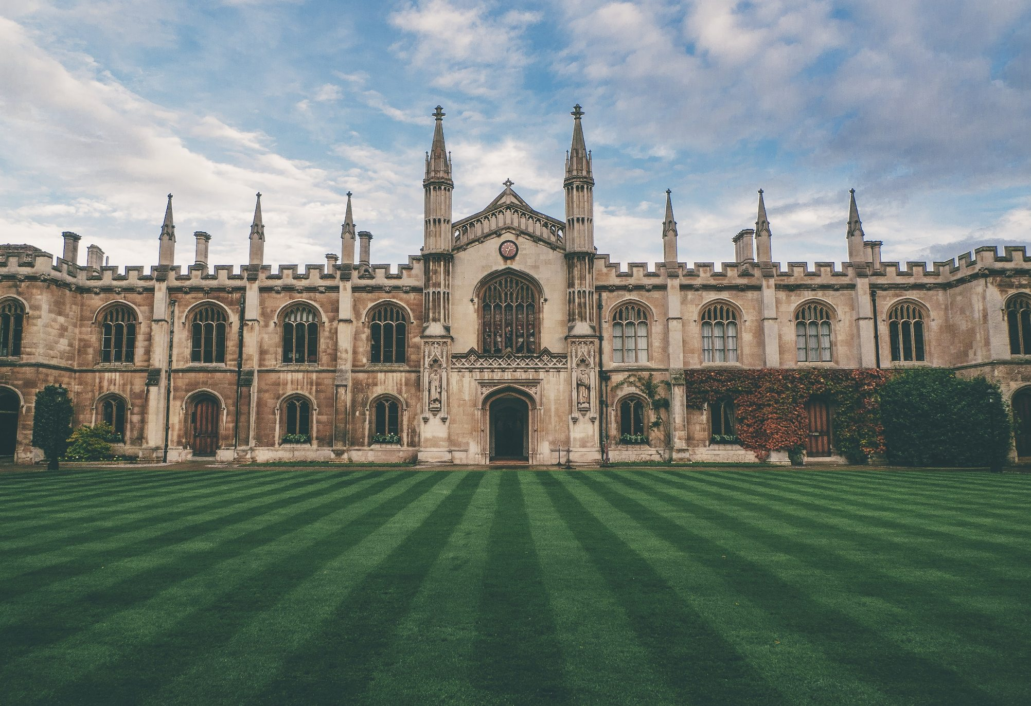 London & Oxford: Nursing